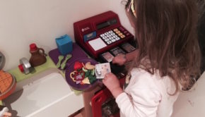 learning-resources-cash-register-pretend-play-kitchen