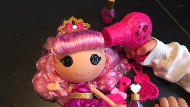 Review Lalaloopsy Glitter Makeover Doll For Styling Fun With